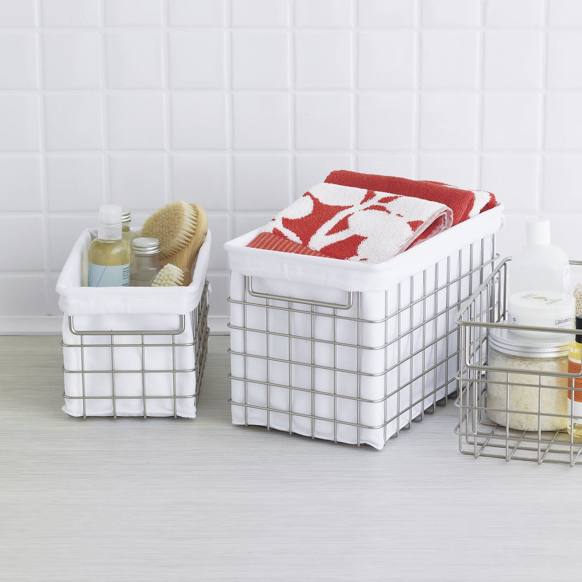 Storage baskets with liners