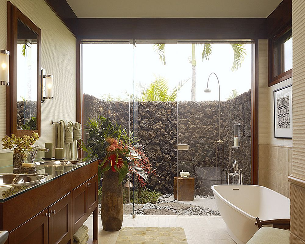 Turn the outdoor shower into an extension of the bathroom inside