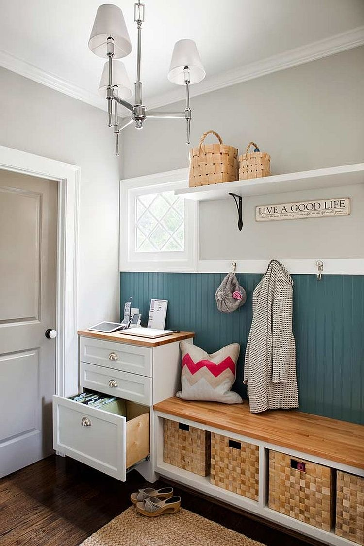 Ultra-mini home office space that is more about organization than desk space [Design: Terracotta Design Build]