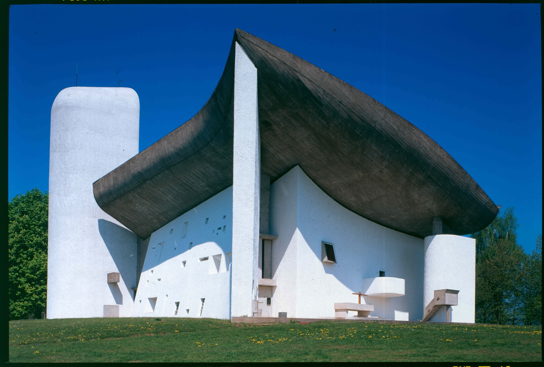 Chapelle notre-Dame du Haut, Ronchamp, France, 1950 - 1955.Photo byPaul Koslowsky©FLC/ADAGP.