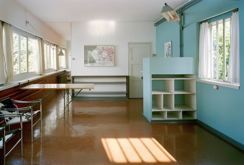 InterioratPetite maison au bord du lac Léman. Photo byOliver Martin-Gambier©FLC/ADAGP.