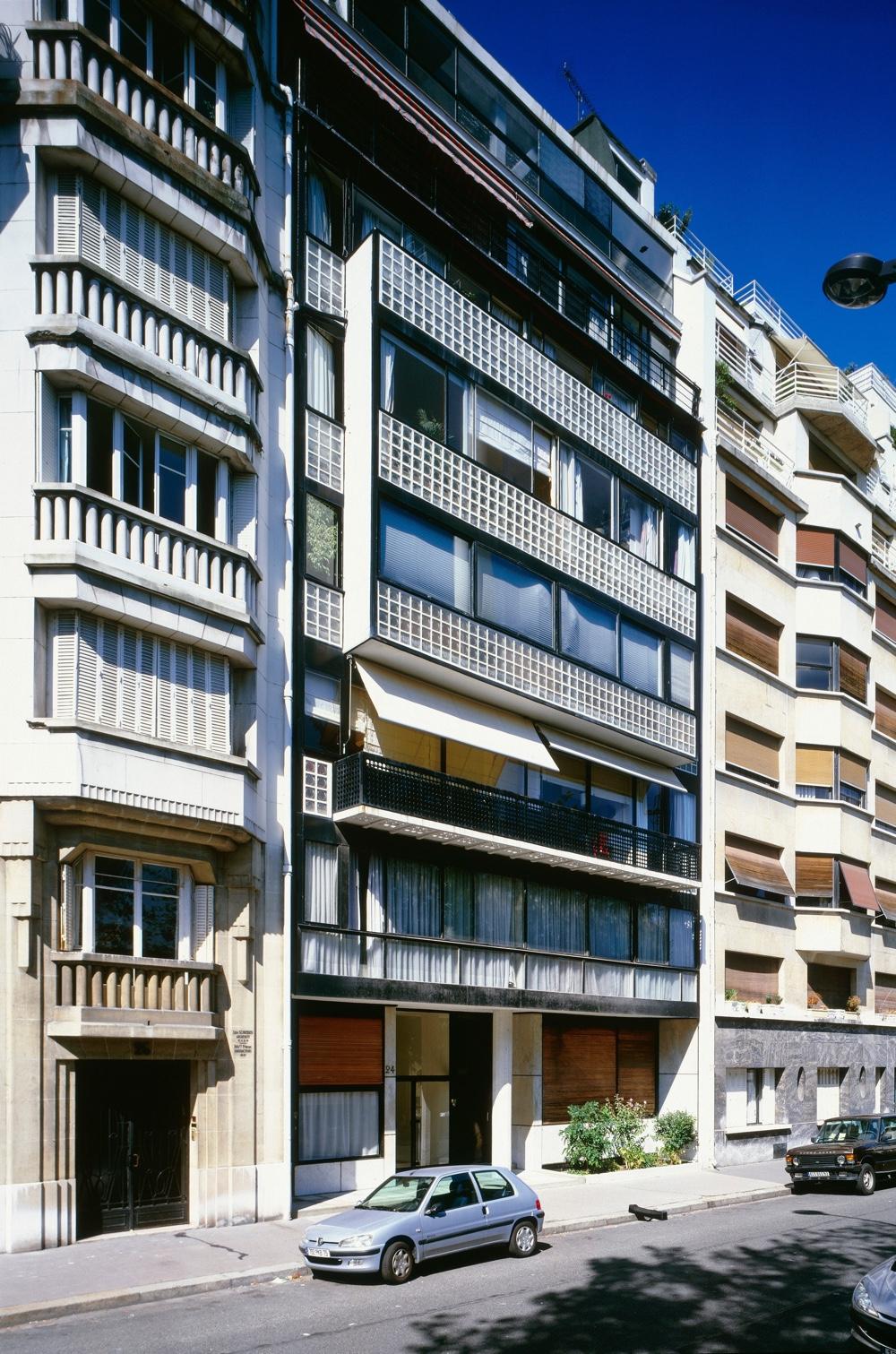 Immeuble locatif à la porte Molitor, Paris, France, 1931 - 1934. Photo byOliver Martin-Gambier©FLC/ADAGP.