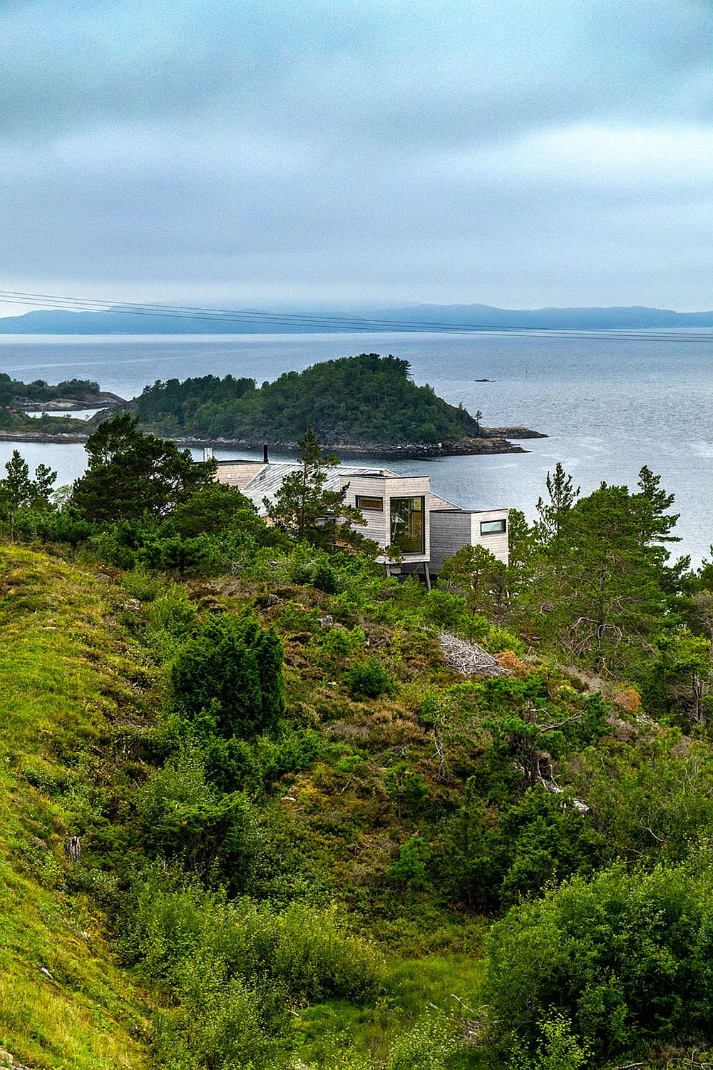 Wooden cabin with ocean views at Straumsnes, Tingvoll, Norway