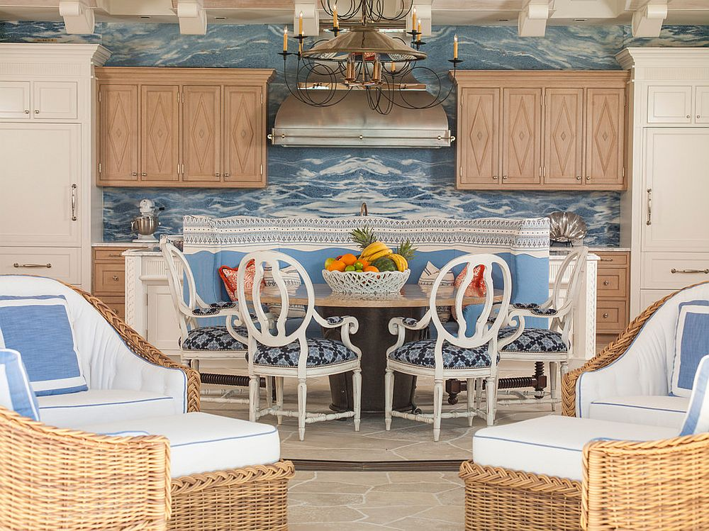 Beautiful dining room with beachy and tropical vibe
