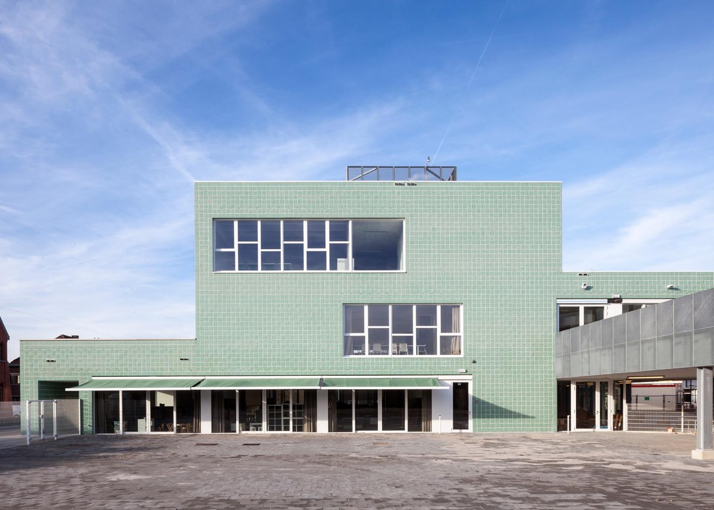 Primary school block in Belgium town of Boom, designed by Areal Architecten.