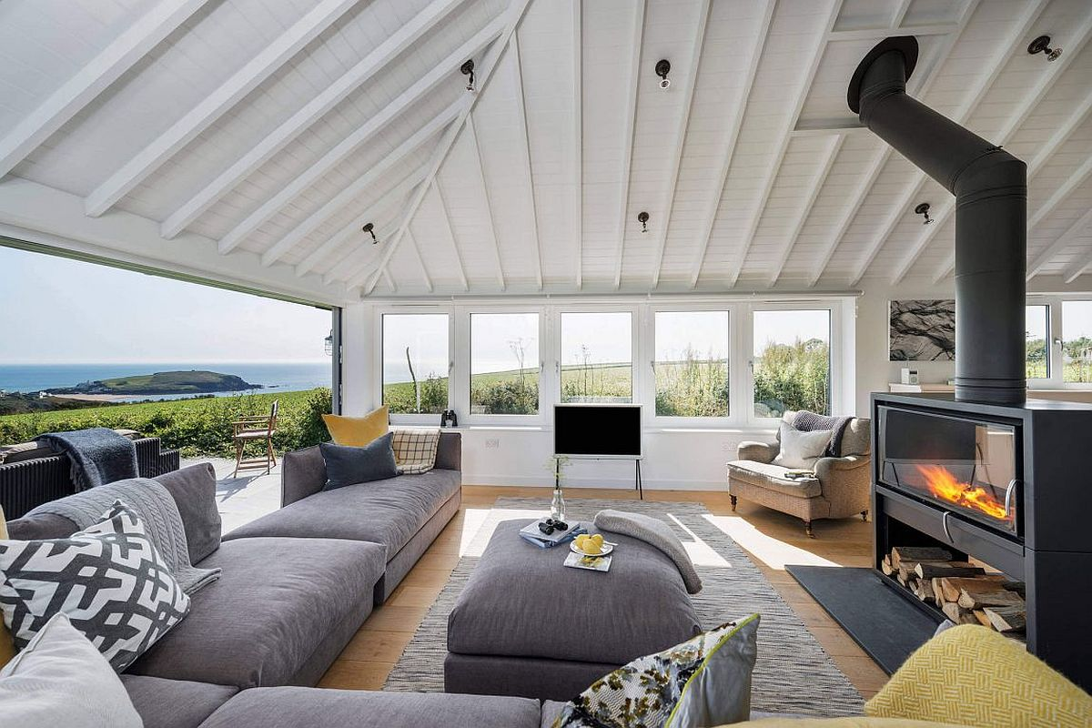 1960's bungalow in South Hams with stunning views