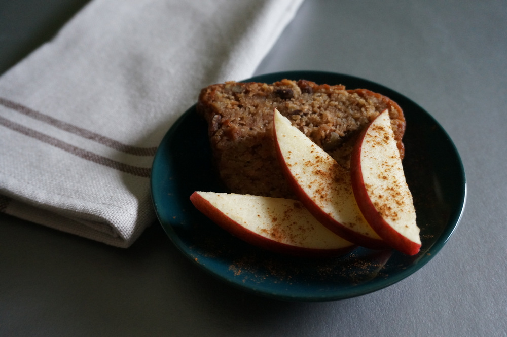 Holiday apple cake