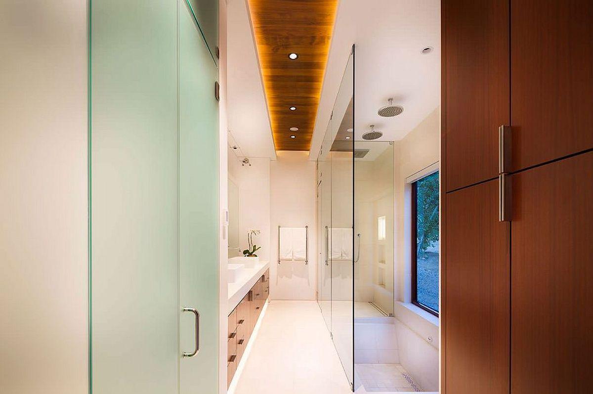 Innovative lighting fixture brings brightness to the bathroom