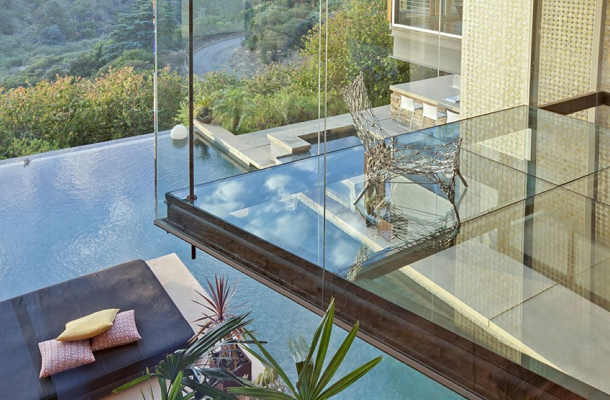 Sneak peek into Justin Bieber's awesome bedroom with glass floor