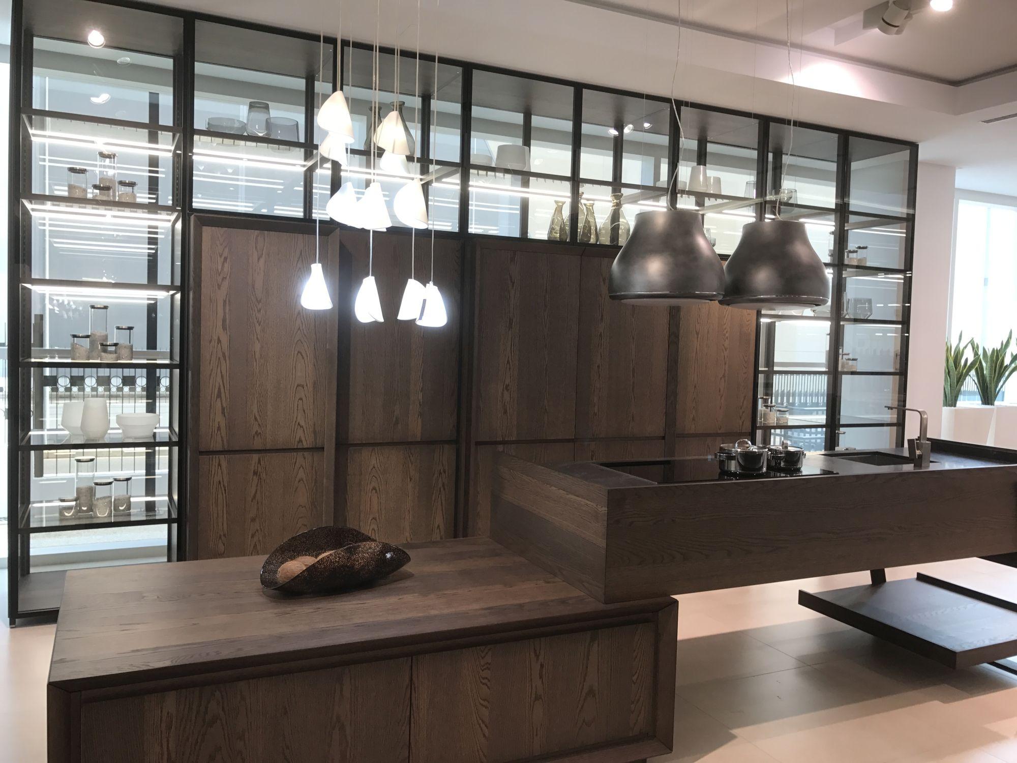 Dark wood inspired ceramic tiles for modern kitchen – GamaDecor