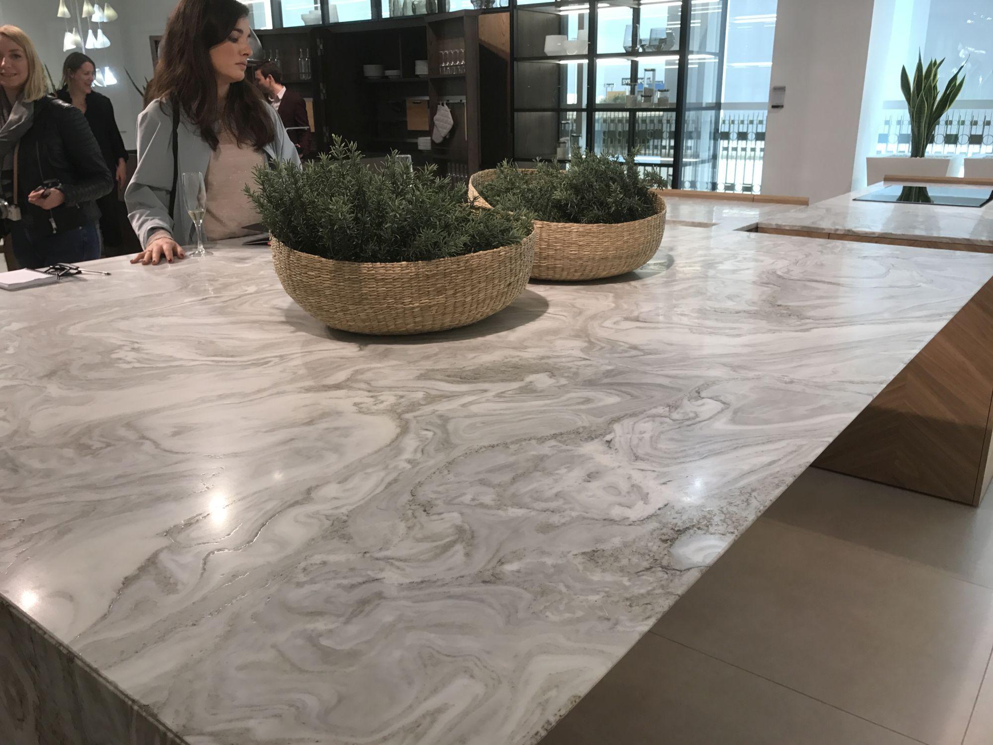Large marble inspired kitchen island that exude luxury – GamaDecor