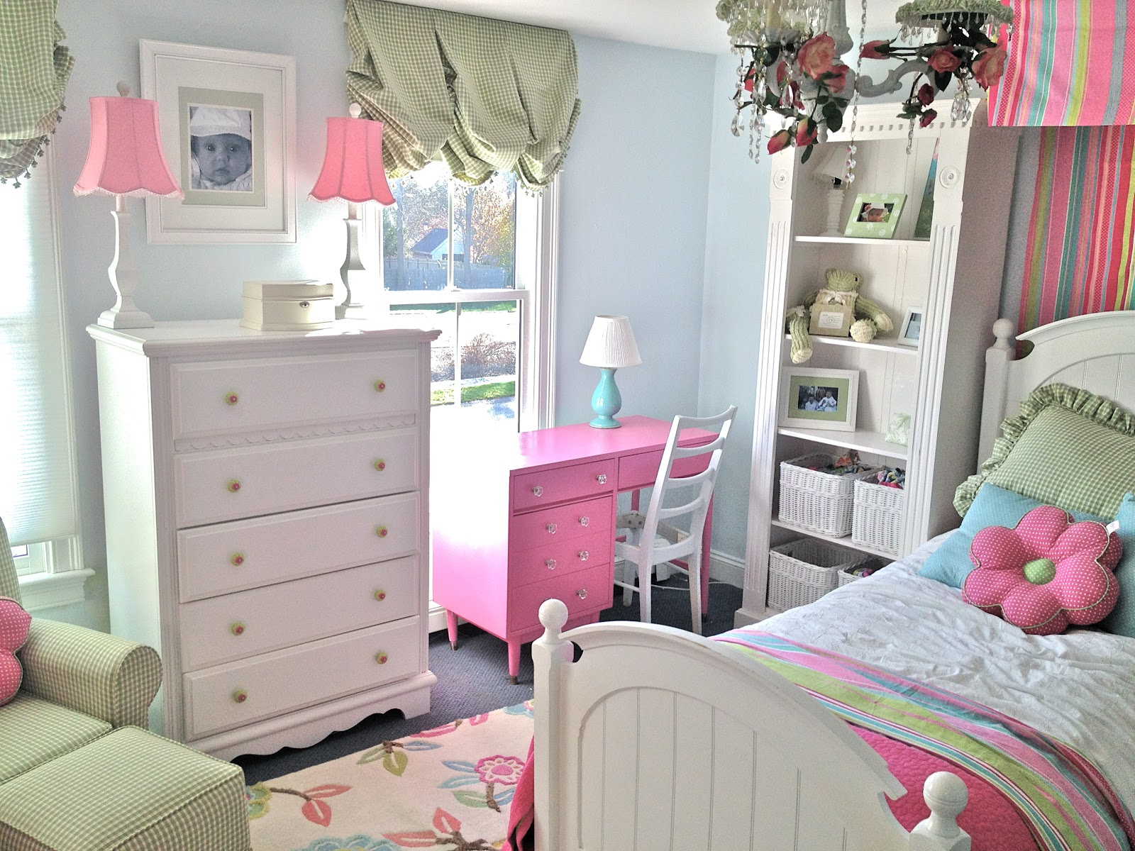 Vintage kids bedroom with a retro appeal