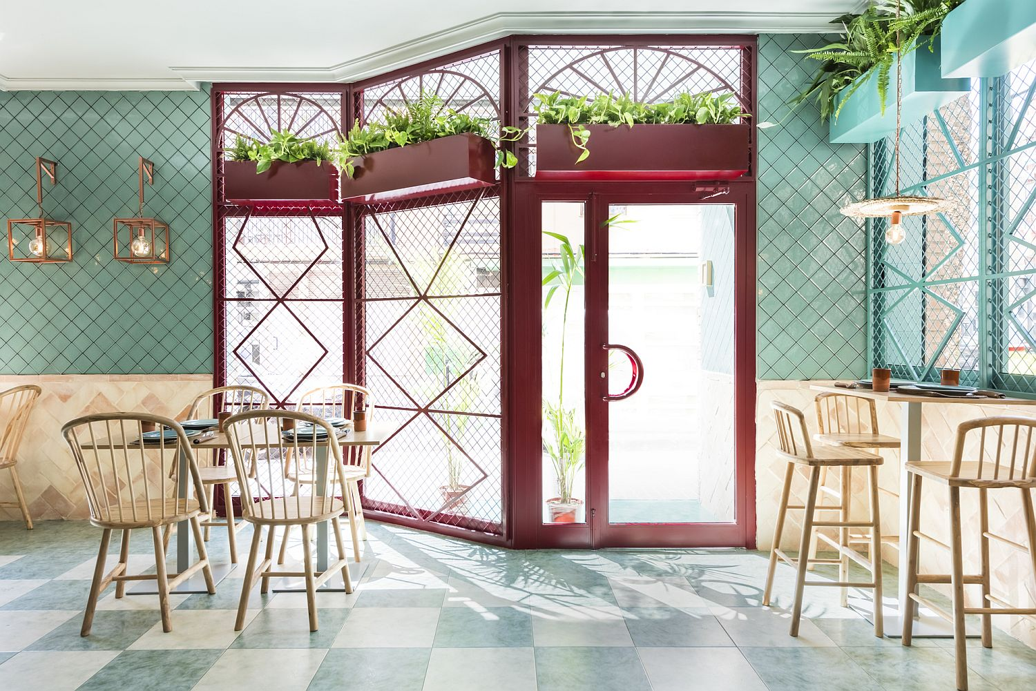Explosive pops of color and apttern shape revamped pizzeria in Valencia