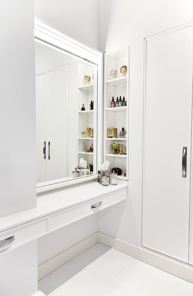 Modern bathroom in white with nifty shelving