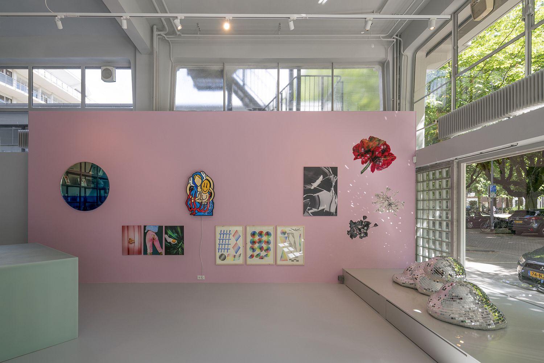 Pink walls beat boring white gallery walls!