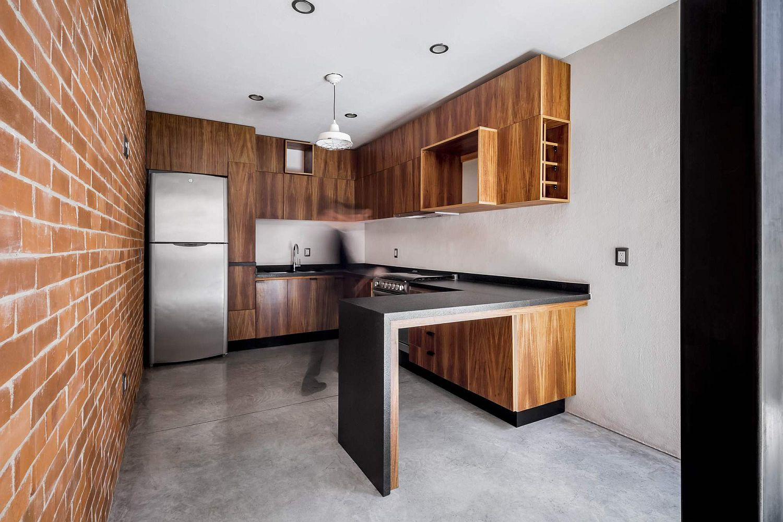 Wood and brick kitchen idea