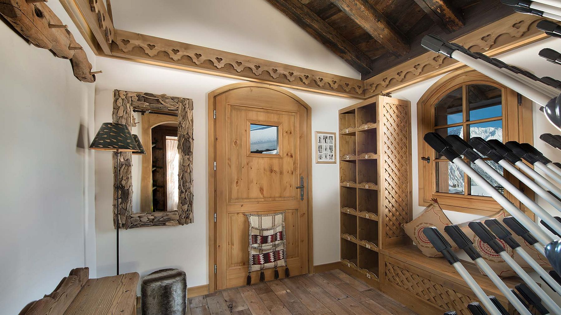 Ski room of the chalet with access to the best ski slopes in Europe