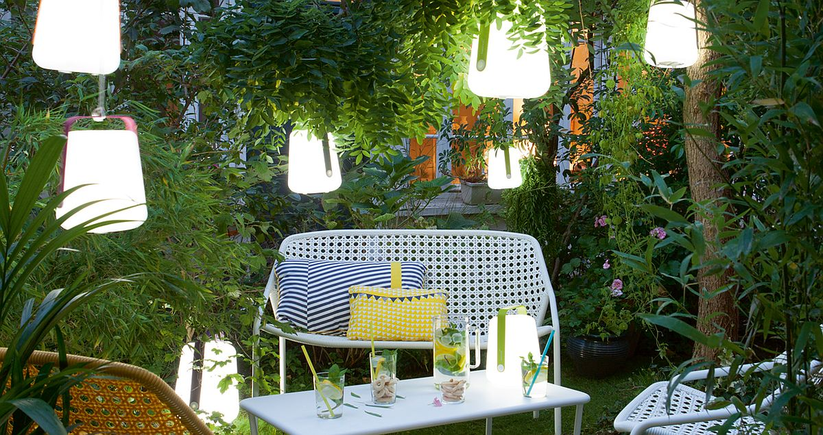 Garden lamp brings brightness and elegance to the green landscape