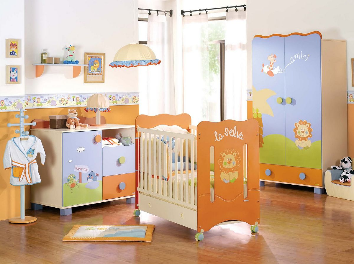 Vivacious nursery idea in orange and blue
