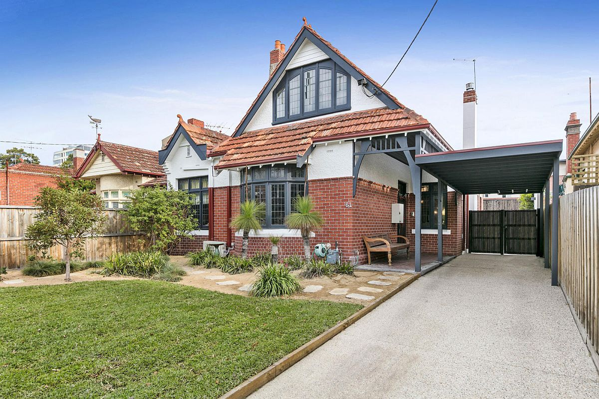 Classic exterior of Saint Kilda Extension