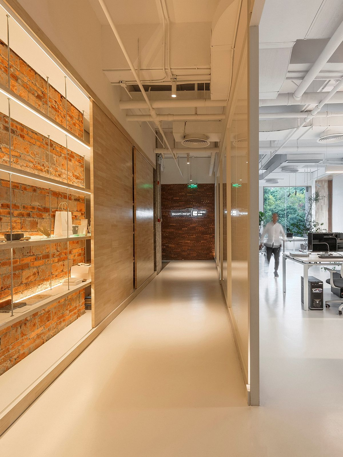 Exposed brick wall idea for the contemporary office