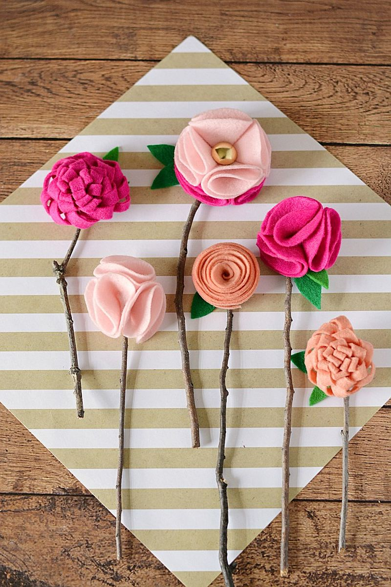 DIY Felt flowers for Valentine's Day