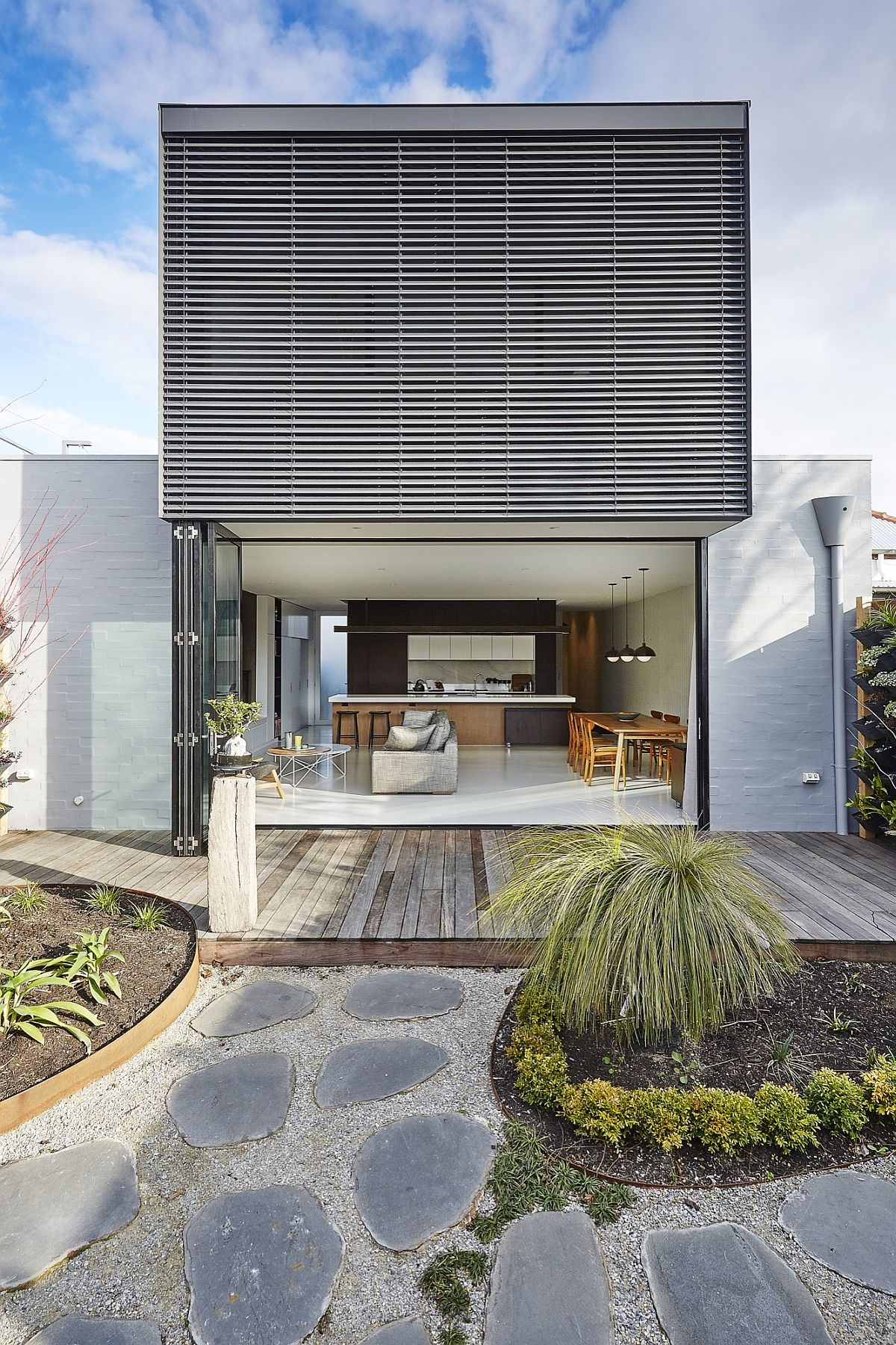 Modern budget St Kilda East House in suburbs of Melbourne