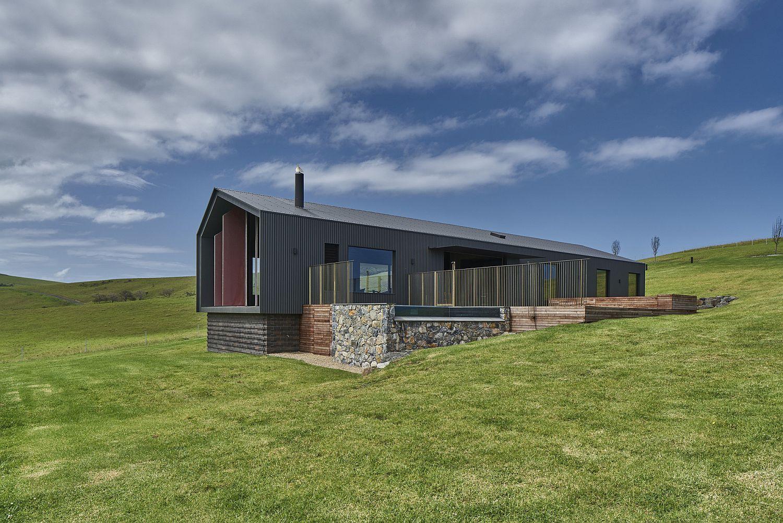 Exterior of the Aussie retreat combines different materials