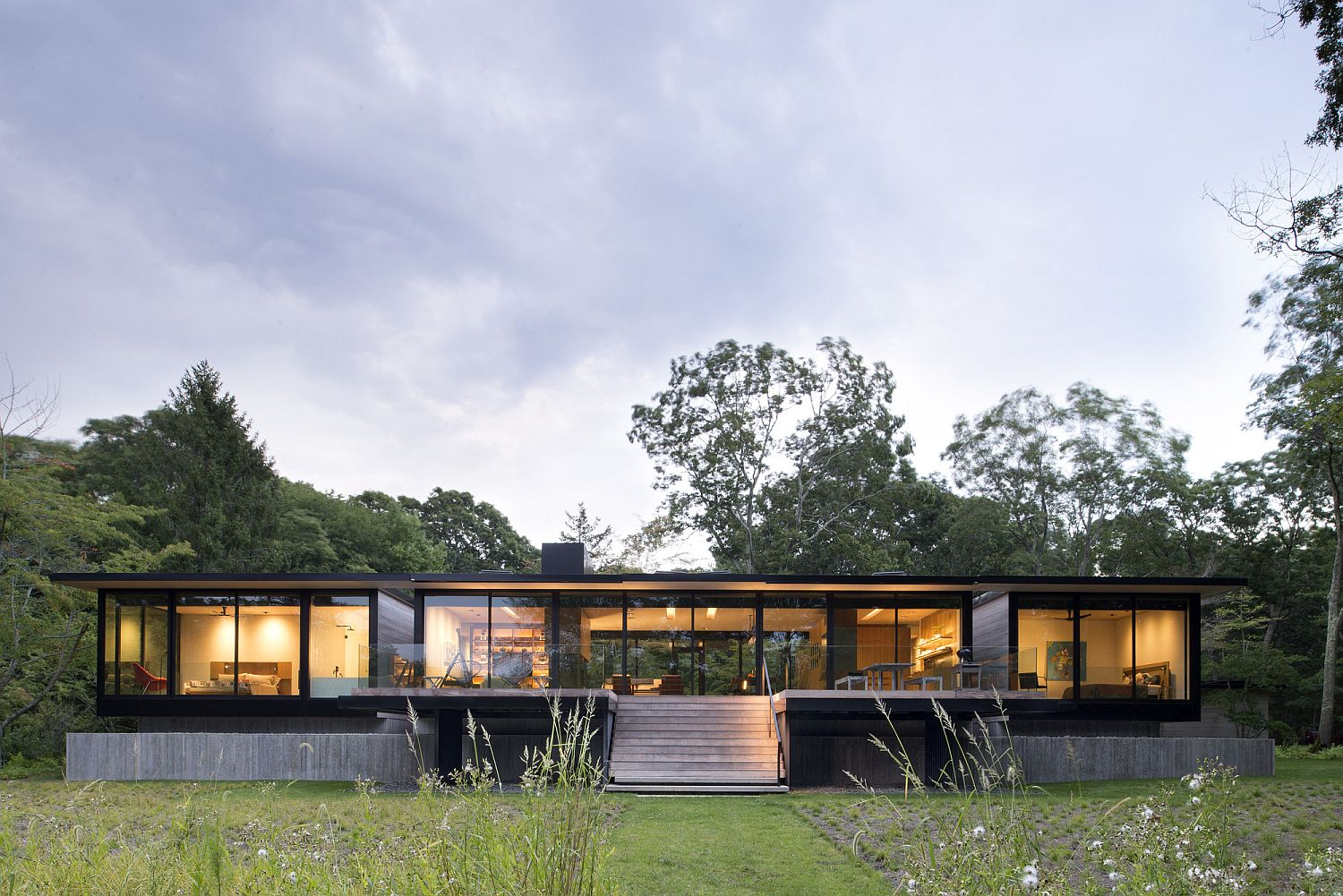 Steel frame wooden boards help shape the contemporary home