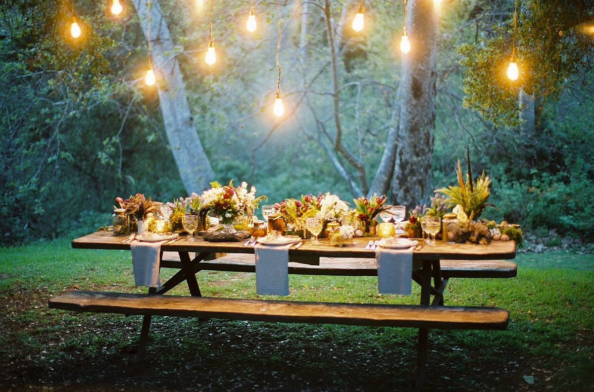 Outdoor Thanksgiving dinner party can be truly magical at times!