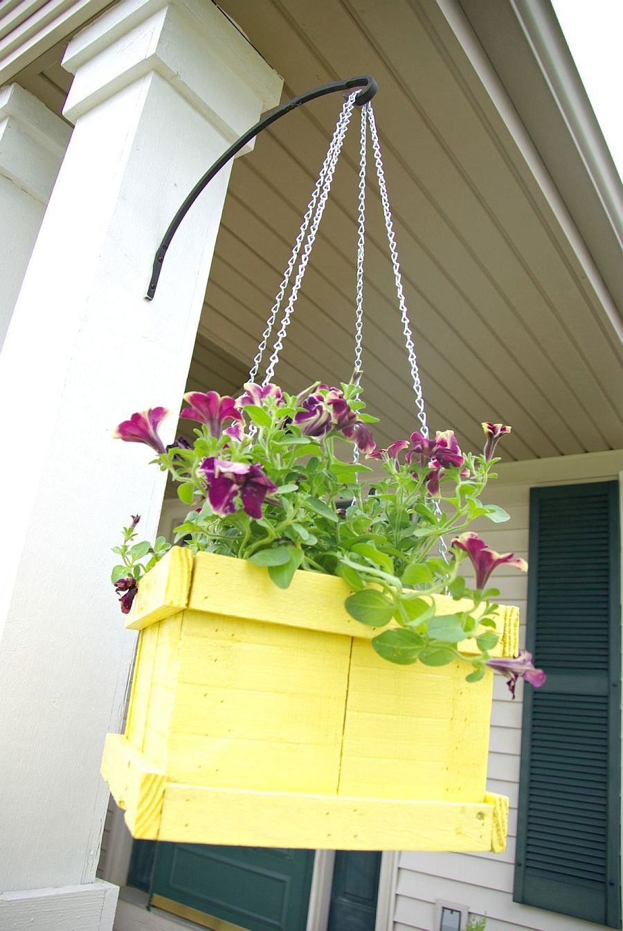 Hanging DIY planters with flowers can be placed anywhere