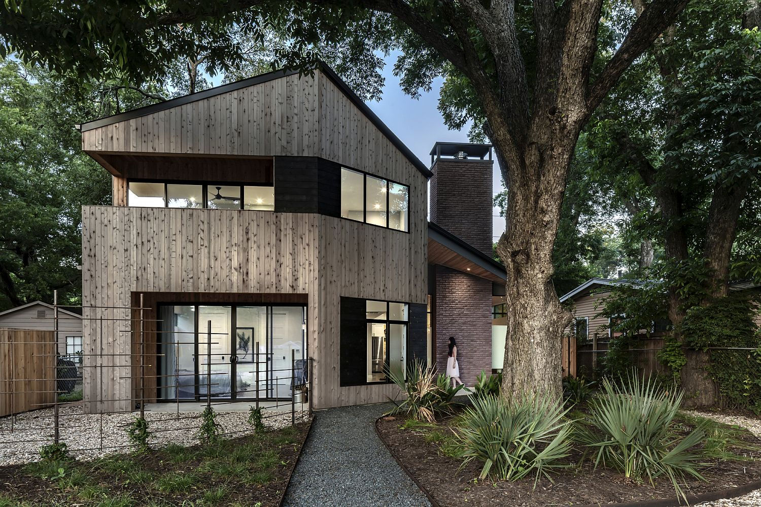 Modern Hewn House combines vacation home appeal with contemporary ergonomics