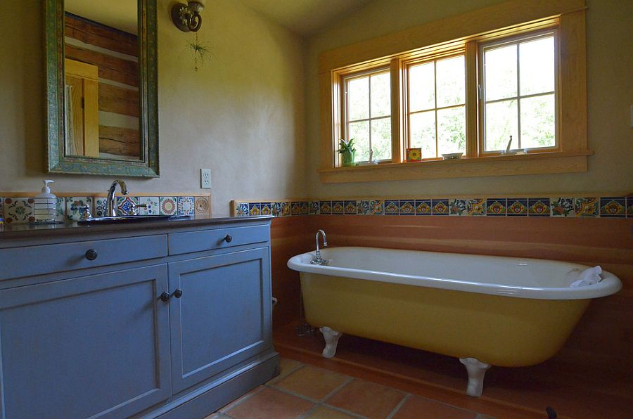 Mediterranean style bathroom in yellow and blue
