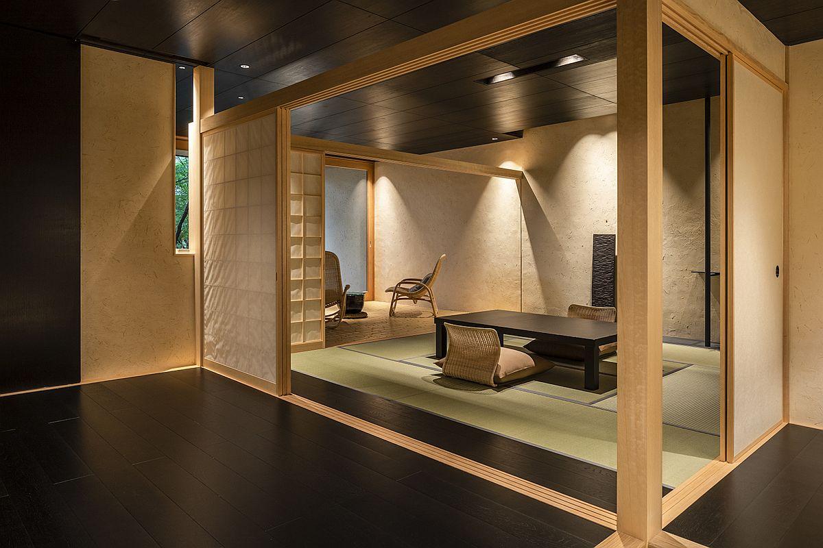 Tea room and stylish interior of the Beniya Mukayu Byakuroku