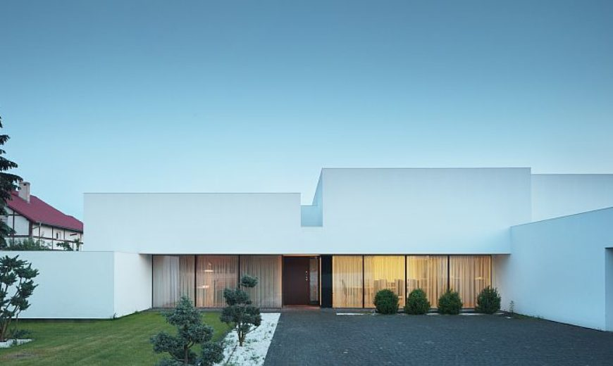 Minimal Contemporary Polish Home in White Keeps Things Understated