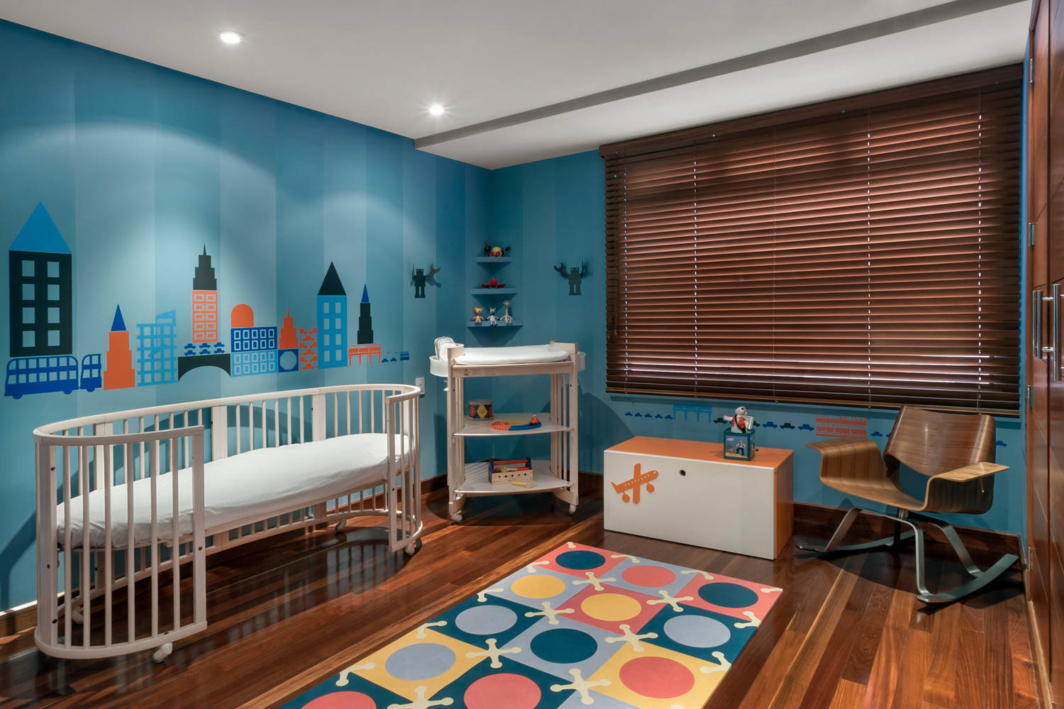 Fun rug brings pattern and color to the stylish kids' nursery