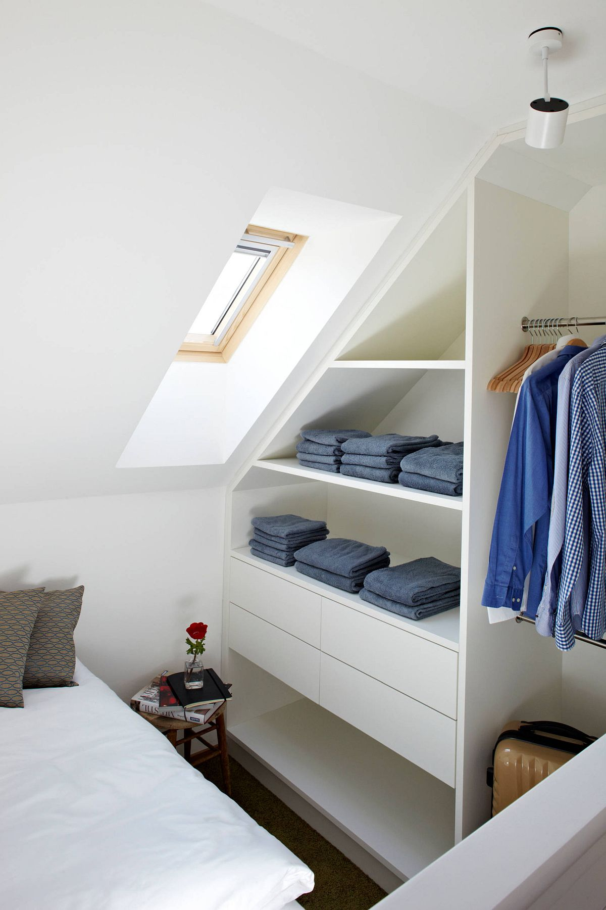 20 Small Apartment Closet Ideas That Save Space With